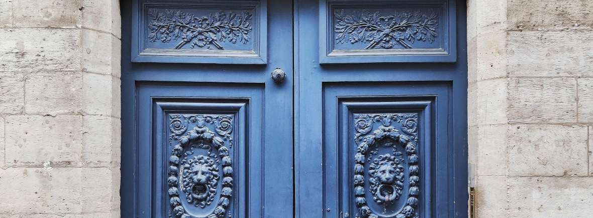 Image of blue door in France
